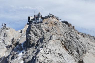 Felsensteig zum Gipfel