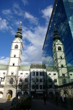Doppelturm oder Glasfassade?