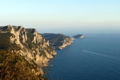 Blick auf Ausgangspunkt und Ziel, Portovenere