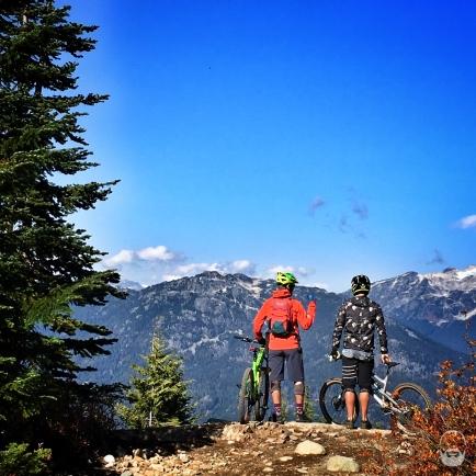 #ridewithfriends - Aussichtungspunkt auf den Felsrollern von Original Sin.