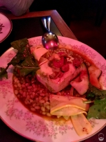 Und kochen kann man in Tofino ebenfalls; hier Heilbutt mit weißen Bohnen, Muscheln und Zucchini-Salat (sieht nur wegen dem Licht so fies aus)