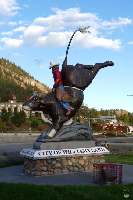 Die Heimatstadt der Mutter aller kanadischen Rodeos lassen wir im wahrsten Sinn rechts liegen.