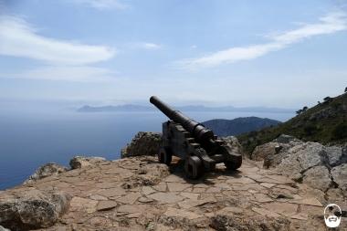 Am Gipfel des Penya des Migdia, ist nicht nur die Kanone...