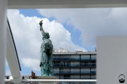 ... Île aux Cygnes, denn dort steht die Größte von 4 Kopien der Freiheitsstatue.