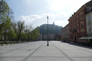 """...sogar der Rathaus-""""Platz""""."""